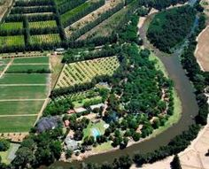 Paarl Self Catering, The resort offers various water sports in a tranquil setting and is located close to famous wine estates, country golf courses, shops and excellent restaurants.