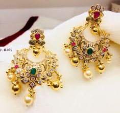 Beautiful gold chandbali studded with precious stones. Chaandbali having gold and pearl hangings. Chaandbali with floral design. 18k Gold Jewelry, I Love Jewelry, Antique Jewelry, Jewelry Sets, Diamond Jhumkas, Gold Earrings Designs, Handmade Jewelry Designs, India Jewelry, Ear Rings