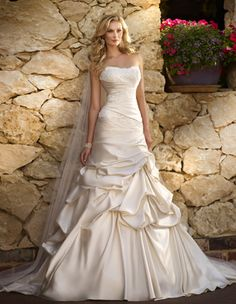 Style 5686 Stella York Trunk Show at The Dresser (Orange County July 11th & 12th)