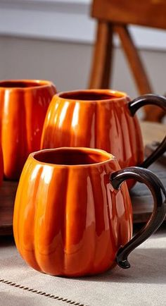 Want these gorgeous pumpkin mugs for my fall decor! Fall Home Decor: Design tips and autumn decorating ideas. Find information and tons of fall decor curated by interior designer Tracy Svendsen. Fall Home Decor, Autumn Home, Autumn Fall, Autumn Harvest, Winter, Art Et Design, Autumn Decorating, Decorating Ideas, Decor Ideas