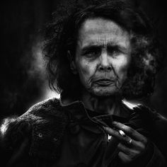 homeless black and white portraits lee jeffries Black And White Portraits, Black And White Photography, Got Serie, Jon Snow, Great Works Of Art, Lomography, Lee Jeffries, Interesting Faces, Figurative Art