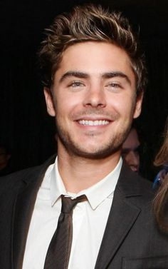 Zac Efron- he looks a lot different now than his role in High School Musical Zac Efron, Hot Men, Sexy Men, Cody Christian, Hello Gorgeous, Gorgeous Men, Look At You, How To Look Better, Pretty People