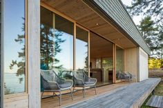 Lone Madrone by Heliotrope Architects (9)