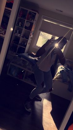 Blue hat, white shirt, ripped jeans, and converse Fashion 2017, Ripped Jeans, Girl Pictures, Ulzzang, Snapchat, Converse, Girls, Blue, Bedrooms