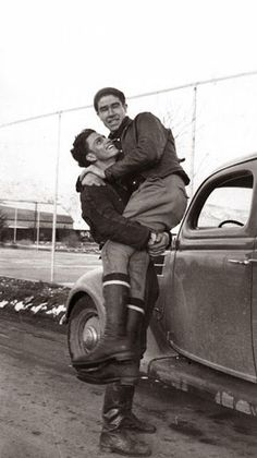 Vintage Love Photography Gay Couple 69 Ideas For 2019 Vintage Couples, Vintage Love, Vintage Men, Vintage Photos, Foto Vintage, Human Poses Reference, Pose Reference Photo, Lgbt Couples, Cute Gay Couples