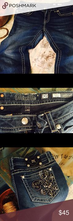 """MISS ME Bling Signature Rise Skinny Jeans Size 30 MISS ME Bling Signature Rise Skinny Jeans Size 30. Excellent Gently Pre Loved Condition. Length: 29.5""""  Rise: 8""""  Waist: 16"""". Medium Wash Miss Me Jeans Skinny"""