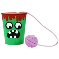 Jeu halloween le bilboquet d halloween this is the perfect gift for transformers fans! optimus prime is always the perfect leader in people s hearts justice love and peace are the most cherished qualities kids will love it too! Halloween Cups, Halloween Games, Diy Halloween Decorations, Halloween 2019, Cute Halloween, Halloween Crafts, Games For Kids, Activities For Kids, Kids Fun