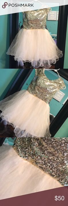 Gold sequin dress Size large dress. New never worn. Dresses Prom