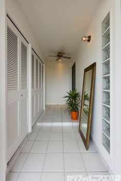 Entrance Decor, House Entrance, Surf House, Home Porch, Japanese House, Home Pictures, Fashion Room, Surfers, New Homes