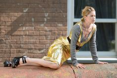 Simply Awesome DOUTZEN KROES's Oops moments On the set Of A Photo Shoot..!!!