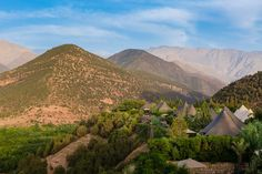 A magical walled complex near Asni in the High Atlas, Kasbah Tamadot is all peaceful courtyards, intriguing staircases, landscaped gardens and breathtaking views. Glamping, Hotel Lobby Design, Atlas Mountains, French Riviera, Luxury Travel, The Fresh, Morocco, Monument Valley, Journey