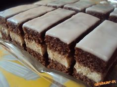 Orechovo rumový zákusok s citrónovou polevou MUST try this asap Czech Desserts, Sweet Desserts, Just Desserts, Sweet Recipes, Slovak Recipes, Czech Recipes, Hungarian Recipes, European Dishes, Cake Bars