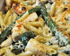 Chicken & Asparagus Penne. Delicious and healthy! I want this right now!
