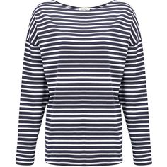 American Vintage Cococity Boat Neck Tee - Navy Stripe (84,390 KRW) ❤ liked on Polyvore featuring tops, t-shirts, navy stripe, boat neck tee, stripe t shirt, long sleeve t shirt, cotton tee and striped t shirt