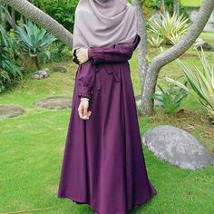 Check out trending dresses for Modest Fashion Hijab, Casual Hijab Outfit, Hijab Chic, Teen Fashion Outfits, Islamic Fashion, Muslim Fashion, Burqa Designs, Muslimah Wedding Dress, Hijab Style Tutorial