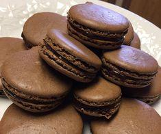 Chocolate Easter Cake, Chocolate Macaroons, French Chocolate, Homemade Chocolate, Chocolate Macaron Recipe, Gourmet Recipes, Cookie Recipes, Dessert Recipes, Gf Recipes
