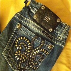 """Miss Me jeans Bout cut size 27 Miss Me jeans only worn a couple times. Like brand new. 34"""" inseam. They have not been hemmed. Miss Me Jeans"""