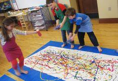 Jackson Pollock art Montessori Activities, Kindergarten Activities, Jackson Pollock Art, Group Art Projects, Food Art For Kids, Artist Project, Kids Art Class, Action Painting, Expressive Art