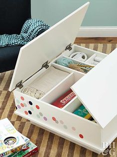 Conceal family room Conceal family room essentials with this DIY coffee table. Log Coffee Table, Simple Coffee Table, Outdoor Coffee Tables, Coffee Table Design, Table Storage, Coffee Table With Storage, Diy Storage, Smart Storage, Storage Ideas