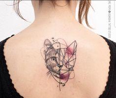 Cat Face Tattoos, Cat Portrait Tattoos, Body Art Tattoos, Cute Tattoos For Women, Back Tattoo Women, Cute Small Tattoos, Geometric Cat Tattoo, Geometry Tattoo, Dainty Tattoos