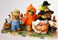 Heidi´s Cherished Teddies Galerie: PRISCILLA, NORMAN and GLENN - On The Hunts For Tricks And Treats (4008963)