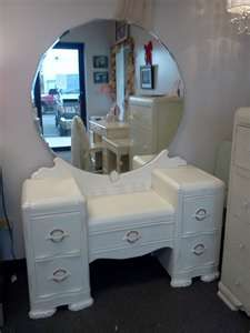 Vintage painted and distressed art deco waterfall front vanity with mirror and bench. Painted an off white and distressed. Decoupage Furniture, Hand Painted Furniture, Deco Furniture, Recycled Furniture, Refurbished Furniture, Shabby Chic Furniture, Furniture Makeover, Vintage Furniture, Shabby Chic Vanity
