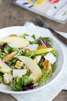 Frisse salade met appel, geitenkaas en kip | via BrendaKookt.nl