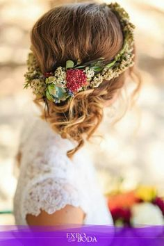 Un romántico tocado floral