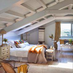 S home: marzo 2015 attic rooms мансарда, спальня, дизайн дома. Loft Room, Bedroom Loft, Dream Bedroom, Home Bedroom, Bedroom Decor, Attic Bedroom Designs, Attic Bedrooms, Attic Design, Attic Renovation