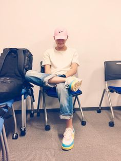 BTS Tweet - Rap Mon ( selca) 150619 -- 베이프스타는 밑창이 예쁘다 #김데일리 -- [tran] The bottom of these Bape Stars are pretty #Kimdaily  Trans. cr; Hyejin @ bts-trans