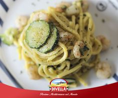 L'abbinamento gamberetti e zucchine è azzeccato, ma con gli Scialatielli Freschi Divella è super! Scopri la ricetta qui: https://goo.gl/z9dpxb