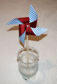 Wizard of Oz Pinwheel 8 Favor Decoration. $4.00, via Etsy.