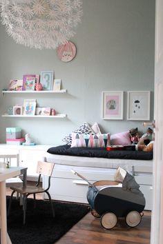 mint green walls and black details for a girls bedroom Kids Interiors… Baby Bedroom, Girls Bedroom, Casa Kids, Deco Kids, Daughters Room, Little Girl Rooms, Kid Spaces, My New Room, Room Decor