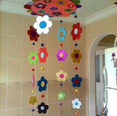 Preschool Classroom Decor, Preschool Art Activities, Class Decoration, School Decorations, Paper Flowers Craft, Flower Crafts, Foam Crafts, Paper Crafts, Diy Crafts