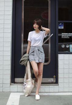 Korean Street Fashion - Life Is Fun Silo Korean Fashion Trends, Korean Street Fashion, Asian Fashion, Look Fashion, Trendy Fashion, Girl Fashion, Fashion Outfits, Womens Fashion, Asian Street Style