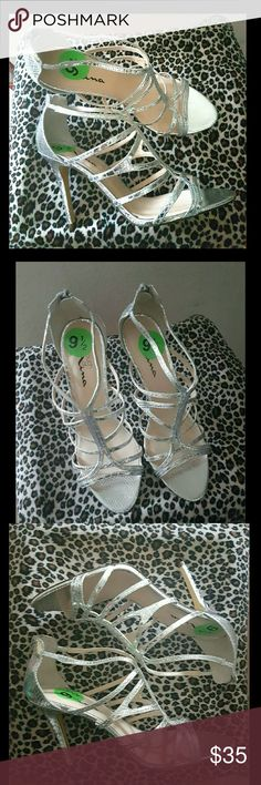 FABULOUS STRAPPY SILVER HEELS!  * NWT Brand new gorgeous silver heels by Nina! The pictures do not do these justice! Snakeskin texture. Zip back! Nina Shoes Heels