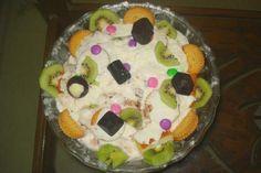 Gluttony bowl of dessert,made of ice cream,fresh cream,fruits,chocolate chip cookies,gems,fruit cake,all layered