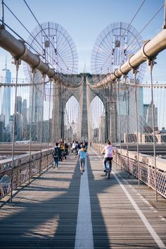 Gal Meets Glam Brooklyn Bridge