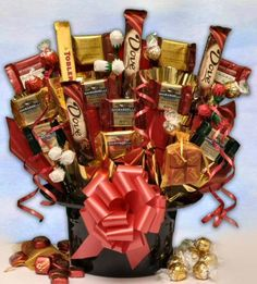 Chocolate candy bouquet - full of Ghirardelli, Lindt, Russel Stover, and Dove 80th Birthday, Birthday Gifts, Birthday Ideas, Birthday Parties, Chocolate Boquet, Dove Chocolate Discoveries, Skate Party, Candy Cakes, Candy Bouquet