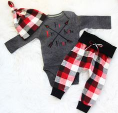 Hi Im new here/baby boy/ coming home outfit/newborn take home set by bibitibobitiboutique on Etsy Cute Newborn Baby Boy, Baby Boys, Toddler Outfits, Baby & Toddler Clothing, Plaid Pants, Outfits With Hats, Leggings Are Not Pants, Infant, Rompers