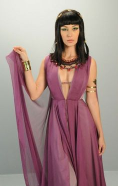 Day Mesquita Cleopatra Dress, Cleopatra Costume, Egyptian Costume, Ancient Egyptian Dress, Egyptian Fashion, Egyptian Beauty, Costume Armour, Costume Dress, Costume Design