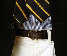Simple & classic, stripped tie and shirt with navy blazer Sharp Dressed Man, Well Dressed Men, Dandy, Mode Bcbg, Preppy Mens Fashion, Men Fashion, High Fashion, Preppy Boys, Ivy Style