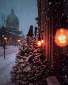 ❄ 20 Magical, Snowy, Animated Christmas Scenes To Start Getting You In The Holiday Mood Merry Christmas, Days Until Christmas, Christmas Scenes, Magical Christmas, Winter Christmas, Winter Holidays, All Things Christmas, Christmas Lights, Vintage Christmas