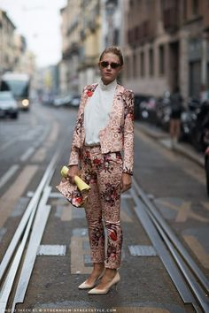 Wedding Guest Style: The Suit Bcbg, Wedding Guest Style, Stockholm Street Style, High Fashion, Womens Fashion, Street Chic, Cool Suits, Suits For Women, Short