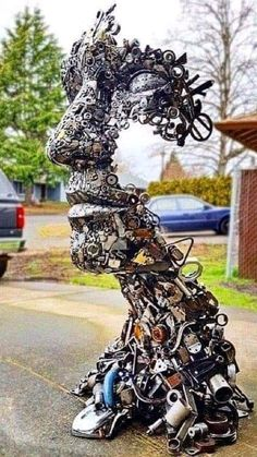 Diy Upcycled Art, Recycled Metal Art, Scrap Metal Art, Upcycled Furniture, Recycled Materials, Furniture Ideas, Portrait Sculpture, Metal Art Sculpture, Wire Sculptures