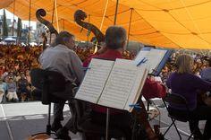 Domingo, 13 de Octubre 2013. Concierto de la Orquesta Filarmónica de la Ciudad de México en barrio Bravo del pueblo de San Francisco Tlaltenco, delegación Tlahuac de la Ciudad de México. Foto: Antonio Nava/Secretaria de Cultura