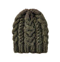 Eine dicke Zopfmüster darf in keinem Herbst und Winter fehlen. Wir stricken uns die Zopfmütze gleich in mehreren Farben.