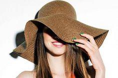chapéus de abas largas