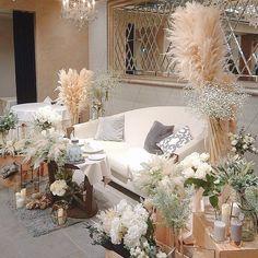Wedding Images, Wedding Styles, Floral Wedding, Wedding Flowers, Head Table Wedding, Bedding Inspiration, Sofa Seats, Wedding Decorations, Table Decorations