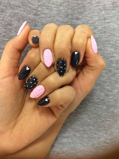 Hola Lola Gel Brush + Mr. Black Gel Polish by Barbara Bebej Indigo Young Team #nails #nail #retro #knitted #pastel #polkadots #pink #black #winter #cosy